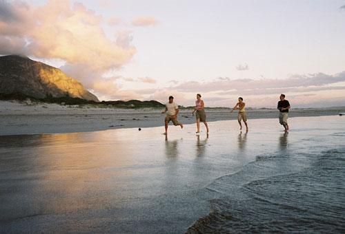 things-to-do-hikes-walks-plaat-beach.jpg