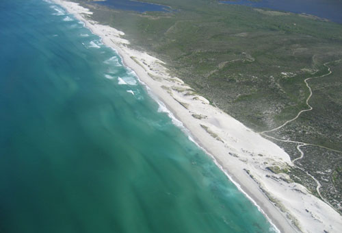 things-to-do-scenic-flights-beach-bellavista.jpg