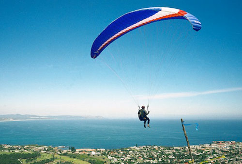 things-to-do-day-trips-paragliding.jpg